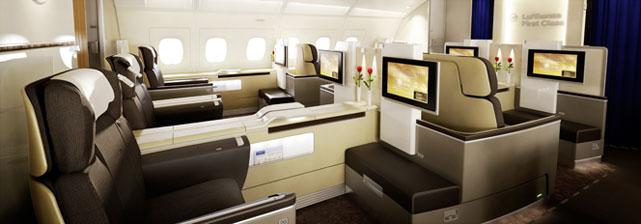 提到汉莎很多人会想到时下风行的高、大、上,像德国的商品一样,注重品质是来自德国的汉莎航空的重要标签。 德国汉莎航空股份公司(德语:Deutsche Lufthansa AG),是德国国家航空公司。按照载客量和机队规模计算,为欧洲最大的航空公司;按照乘客载运量计算,为世界第四大航空公司。Lufthansa德文原意是空中的汉莎,名称中的汉莎源自13至15世纪北德地区强大的商业联盟汉莎同盟。瑞士国际航空公司(Swiss International Air Lines)亦隶属德国汉莎航空集团。 汉莎航空